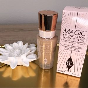 ✨NIB✨Magic Foundation #5 Medium